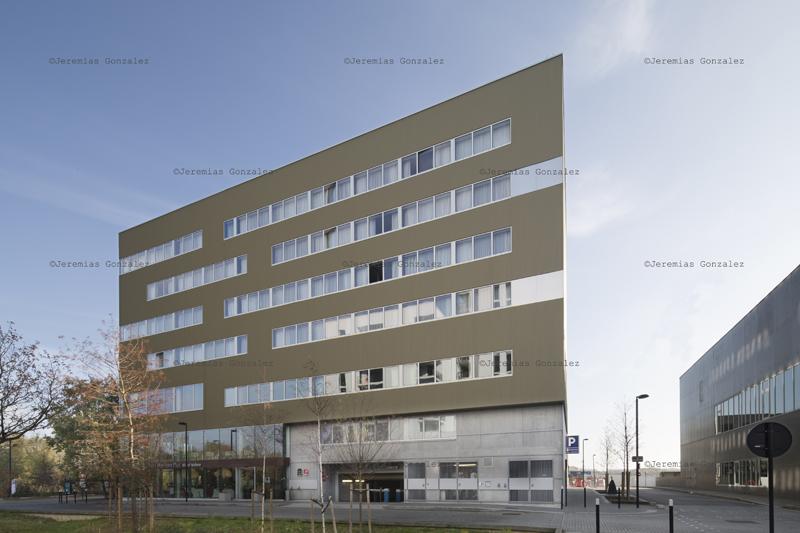 http://www.jeremiasgonzalez.com/files/gimgs/64_hotelinternet09.jpg