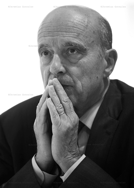 http://www.jeremiasgonzalez.com/files/gimgs/77_politicos-09.jpg